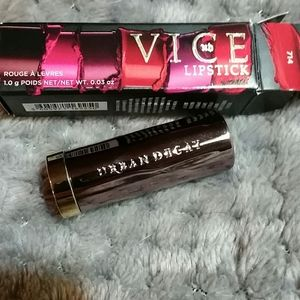 NIB Urban Decay Vice Mega Matte Lipstick in 714